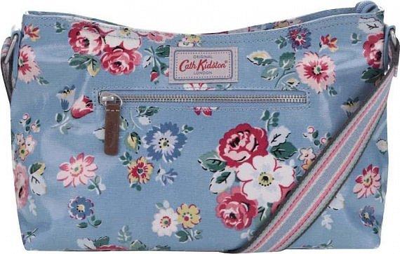 4412e21da5 -30% 1619 Kč 1133 Kč · Modrá květovaná kabelka Cath Kidston