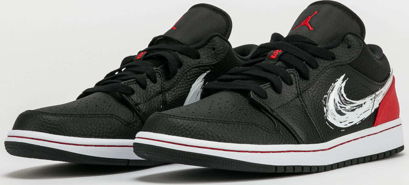 Jordan 1 Low SE black / white - university red EUR 45